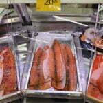 Форель слабой соли с розовым перцем - 20,90 евро кг