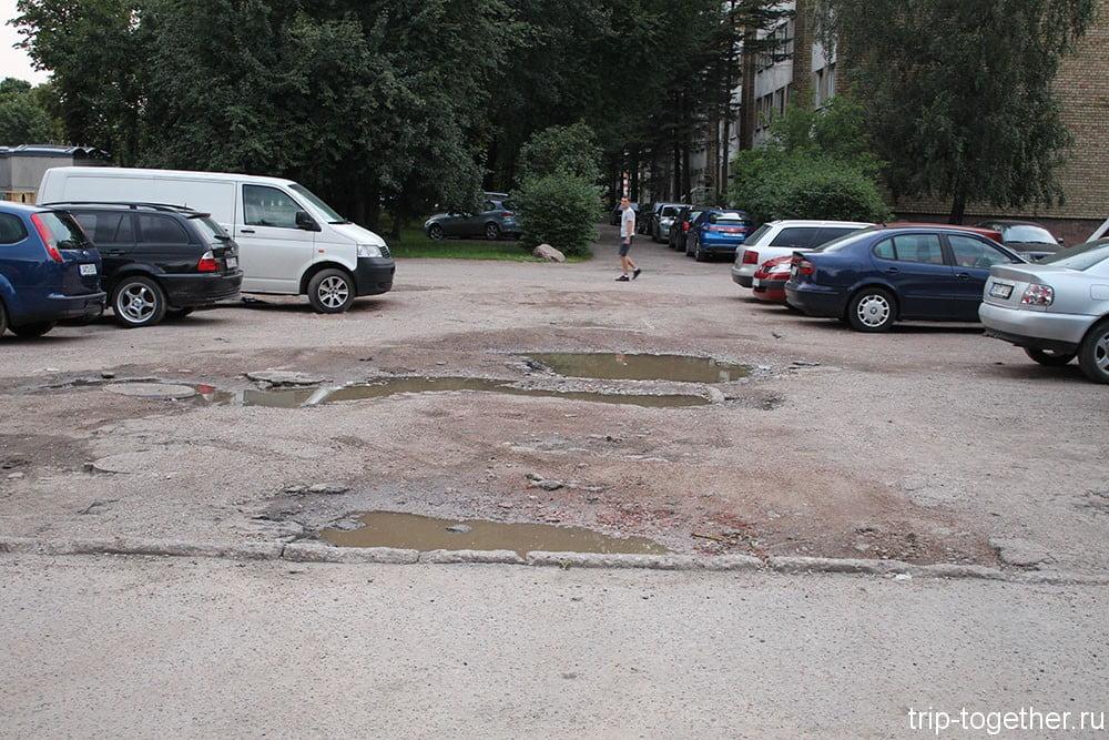 Каунас, парковка рядом с Savan Guest House