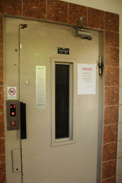Лифт в старой многоэтажке Будапешта