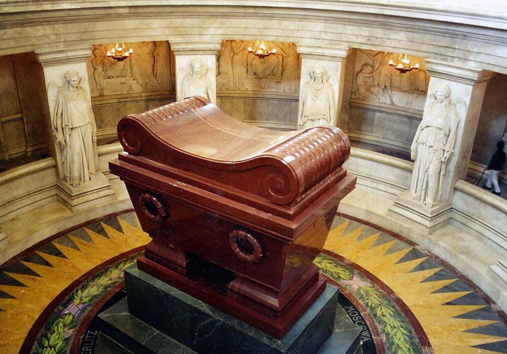 Саркофаг с прахом Наполеона