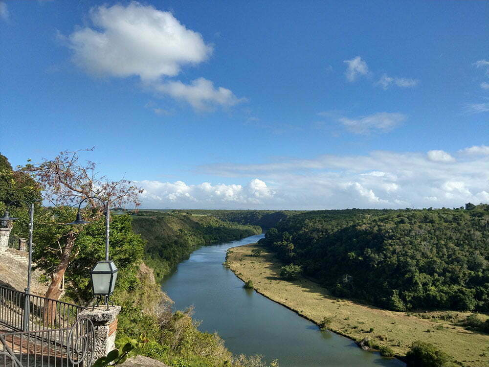 Река в Альтос-де-Чавон