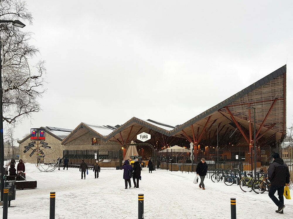 Рынок в Таллине у Балтийского вокзала