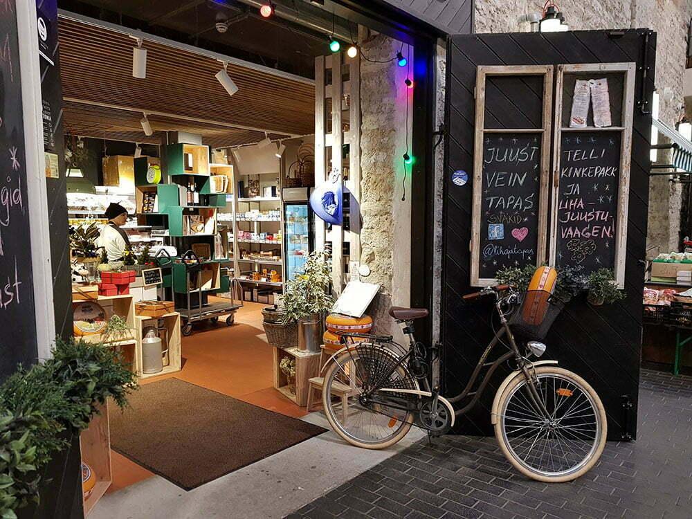 Голландская сырная лавка на таллинском рынке