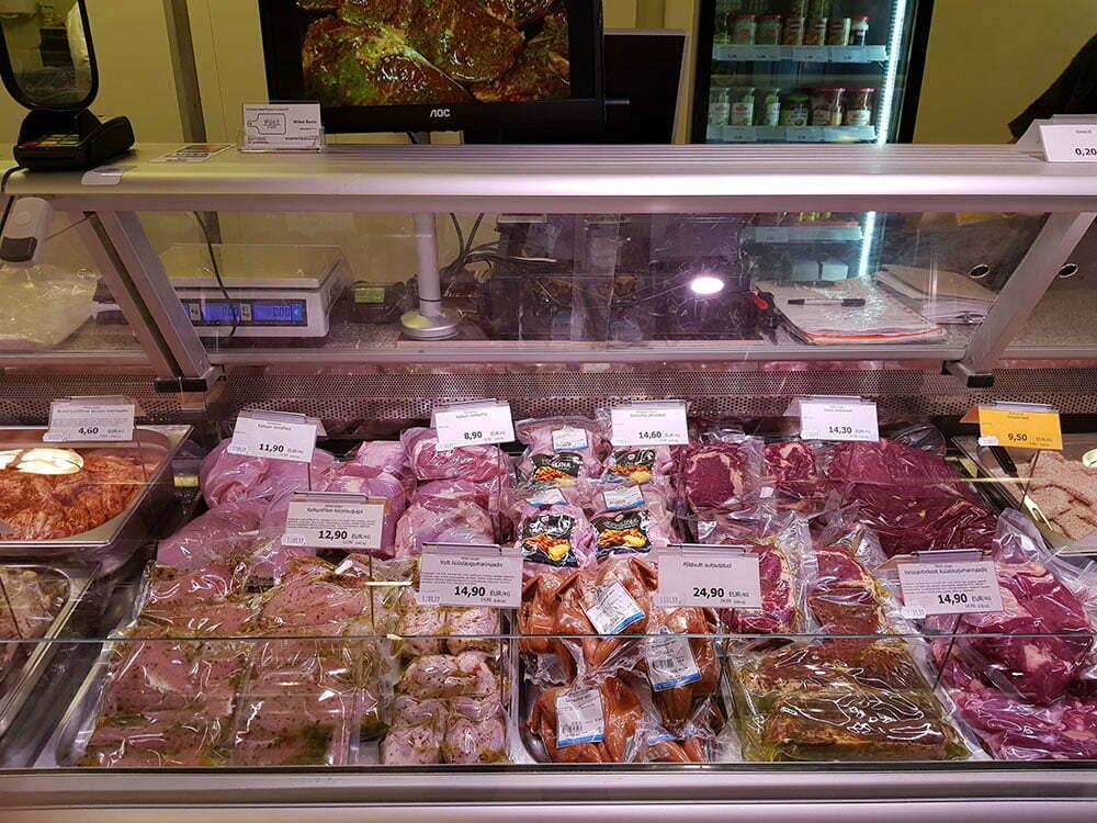 Мясопродукты в вакуумной упаковке. Рынок в Таллине