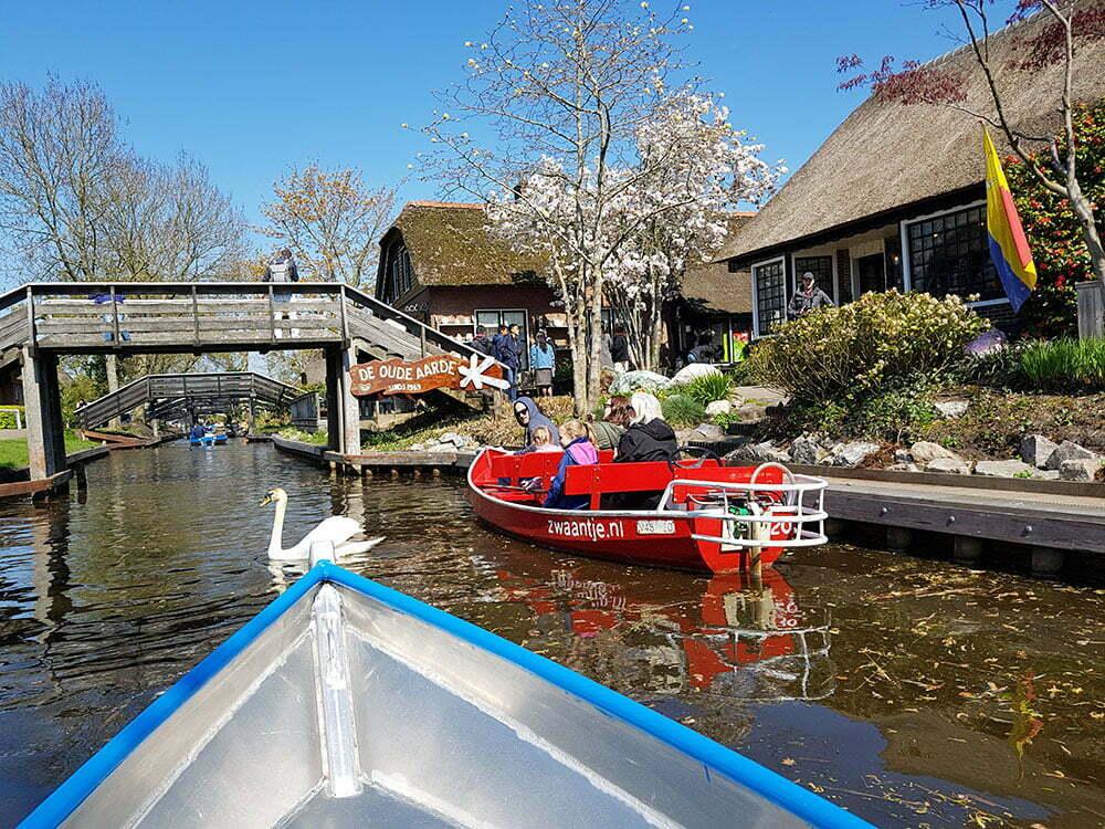 Гитхорн - сказочная деревня в Голландии