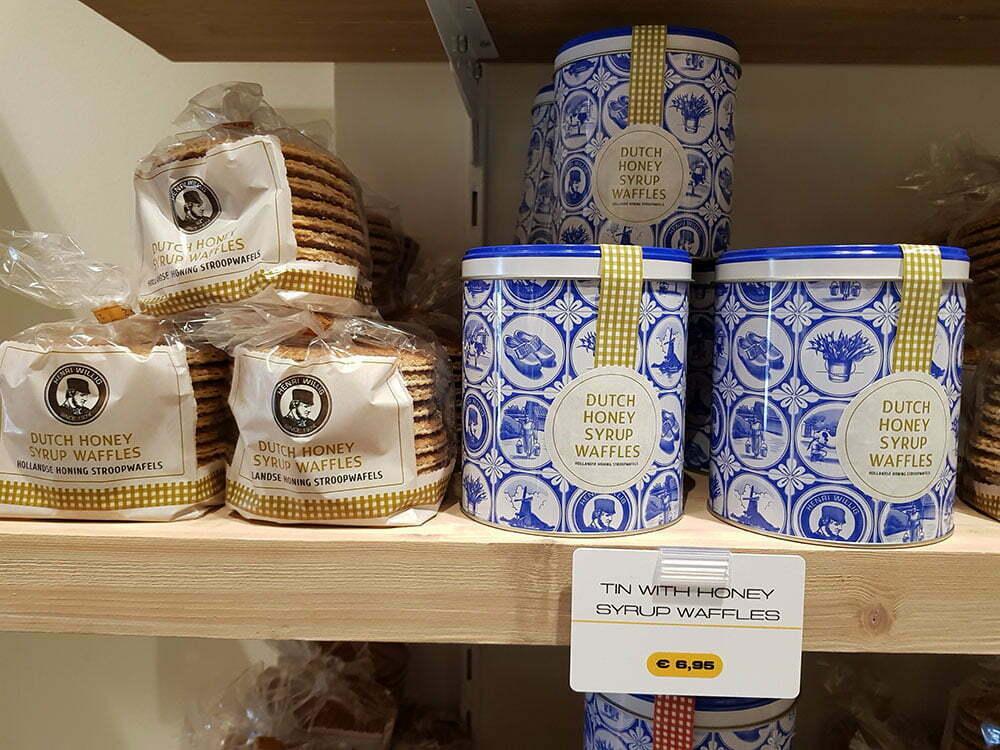 Традиционные голландские вафли с сиропом в сувенирной упаковке