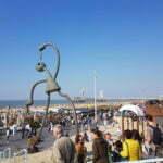 Оригинальные скульптуры на пляже