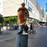 Современная скульптура на улицах Гааги