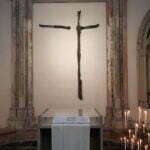 Очень древний крест. Домский собор Утрехт.