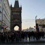 Толпы в период новогодних каникул на Карловом мосту