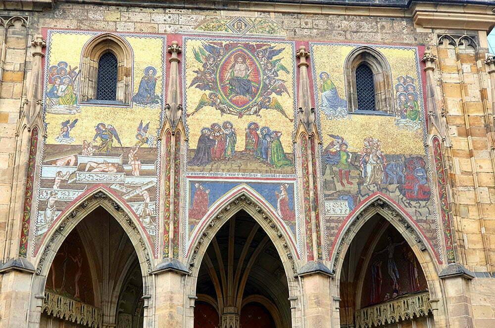 Мозаика Страшный суд над Золотыми воротами собора Святого Вита в Праге