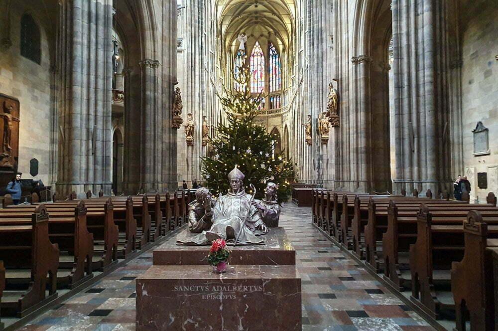 Мемориал Святого Адальберта в современном соборе Святого Вита