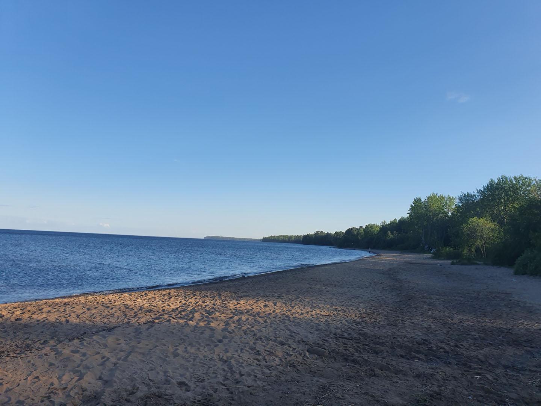 Пляж на Онежском озере в деревне Щемяки