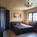 Master bed room номера VIP-LUX базы отдыха Онежская усадьба