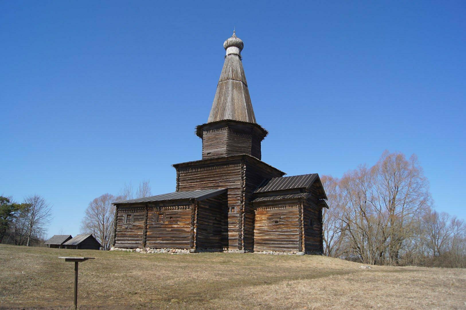 Церковь Успения (1595 год) из с. Курицко Новгородского района. Музей деревянного зодчества в В. Новгороде