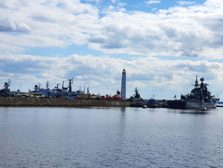 Деревянный маяк и гавань в Кронштадте