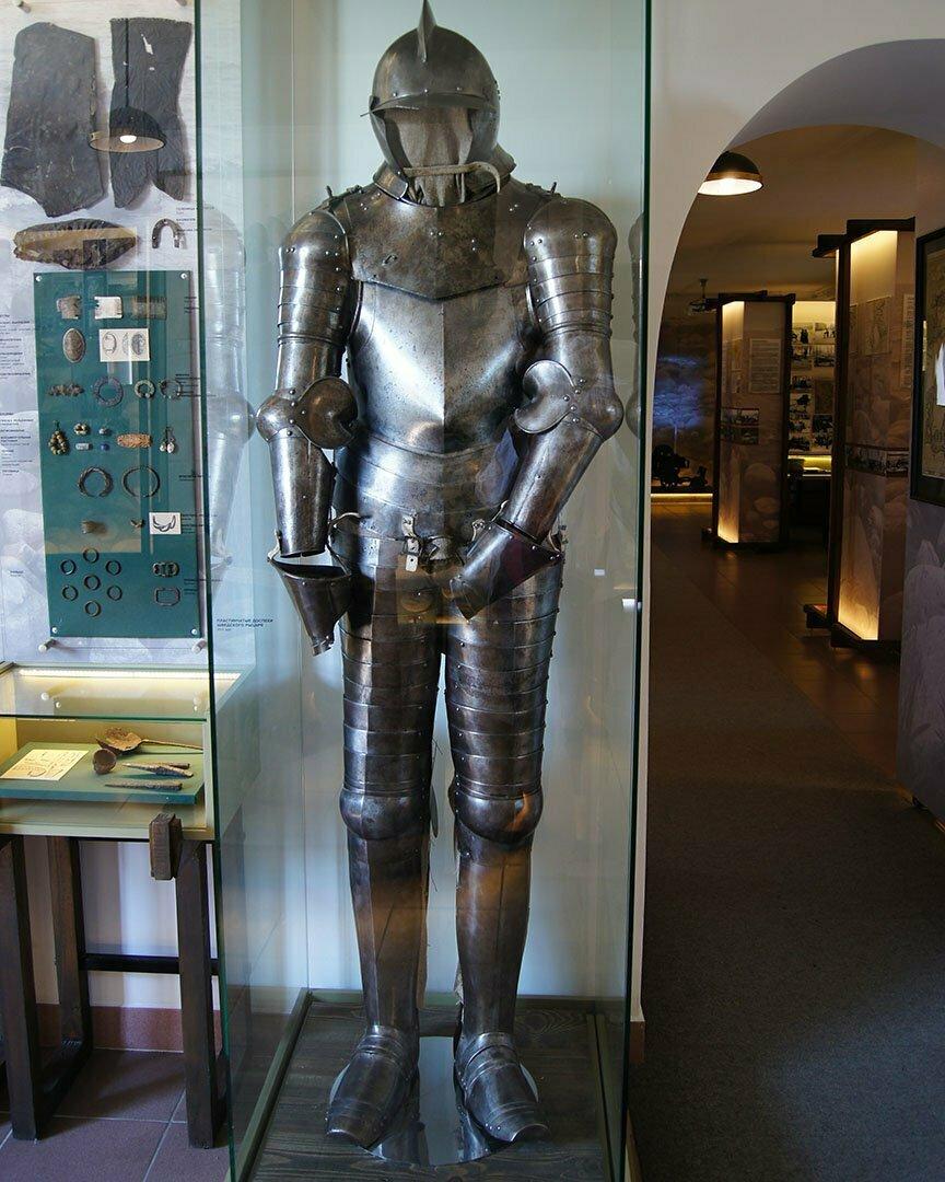 Доспехи шведского рыцаря в музее крепости Корела