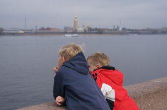 Ребенок в Петербурге