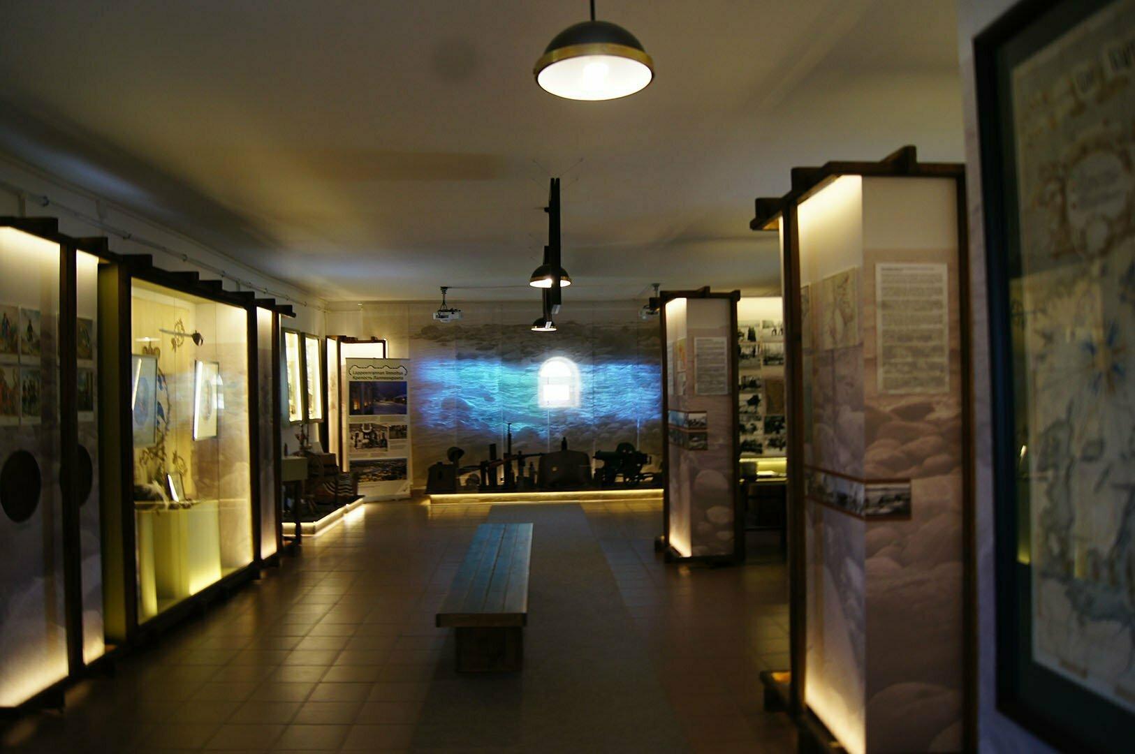 Музейный зал в крепости Корела