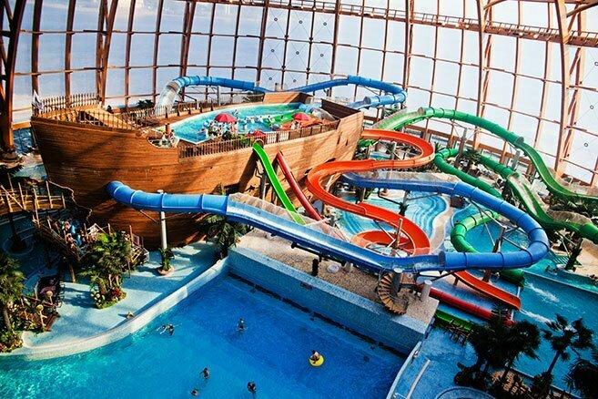 Горки аквапарка Питерлэнд