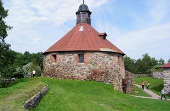 Круглая воротная башня в крепости Корела, Приозерск