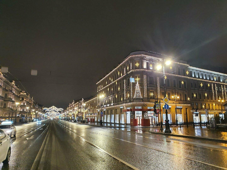 Невский проспект в Новогодней подсветке