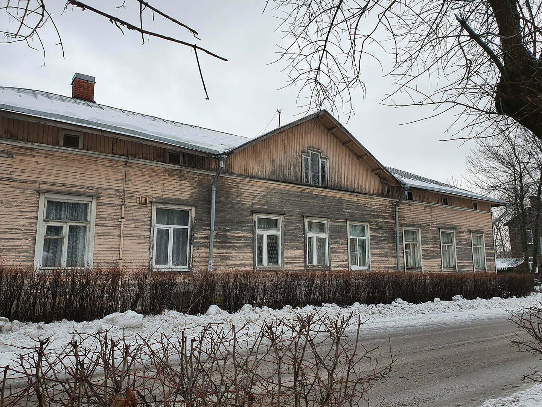 Давно некрашенный дом в Сортовале