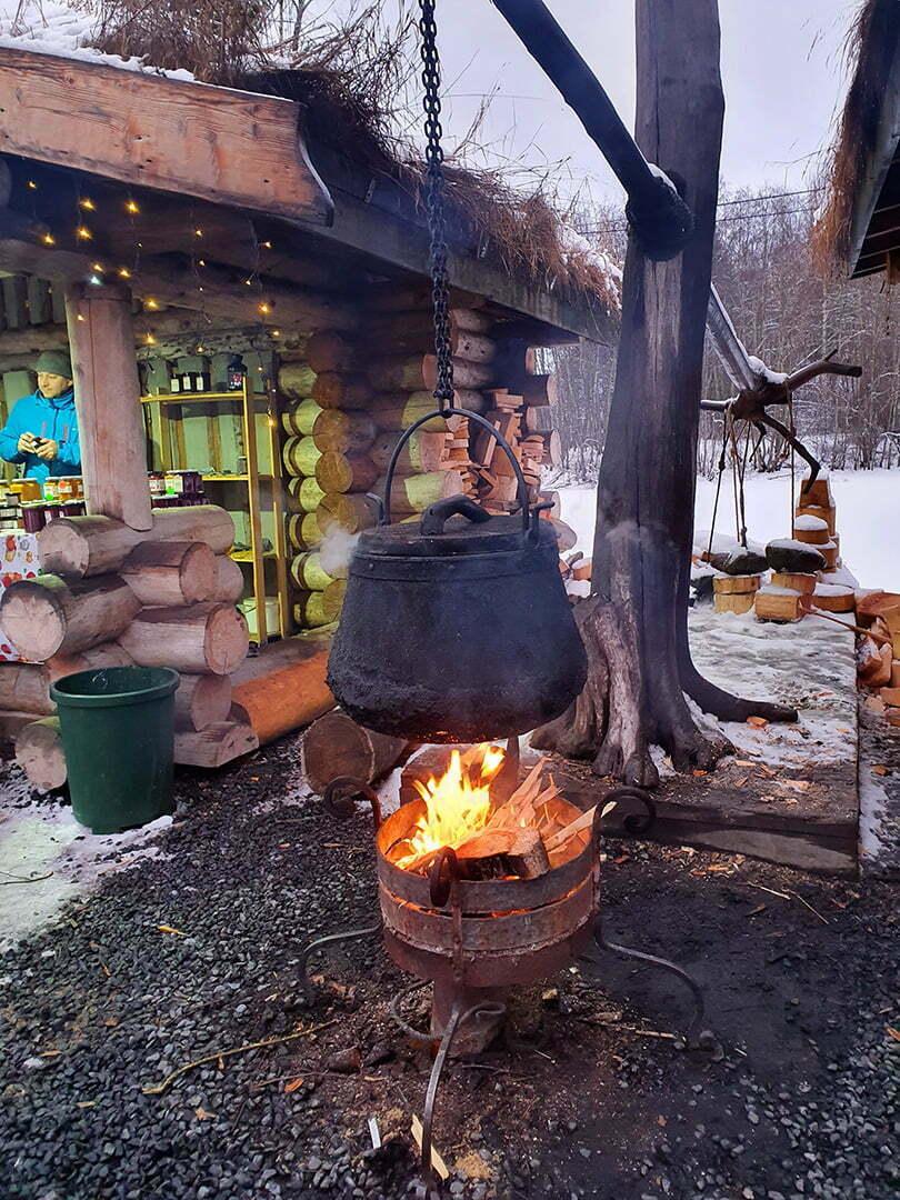 Рускеальские водопады - котел над огнем