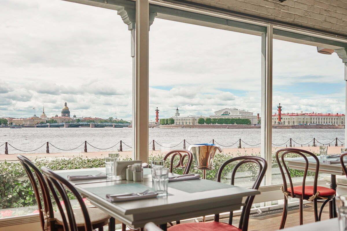 Ресторан Корюшка с панорамным видом на Стрелку Васильевского острова