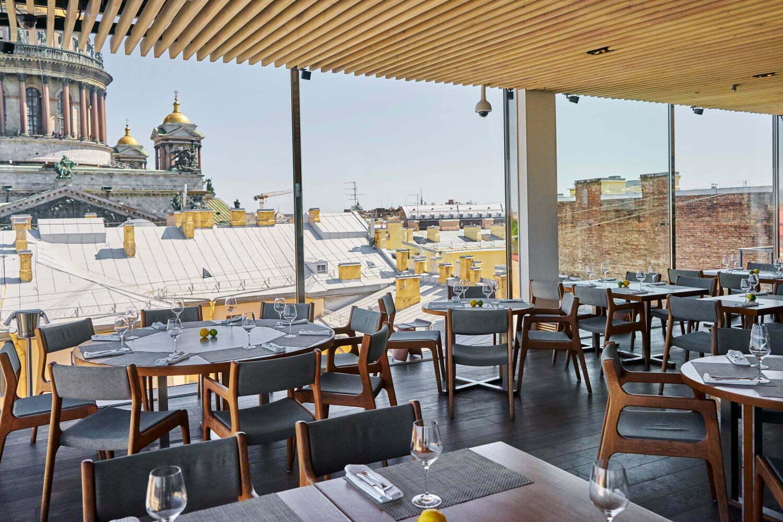 Ресторан Мансарда с видом на Исаакиевский собор
