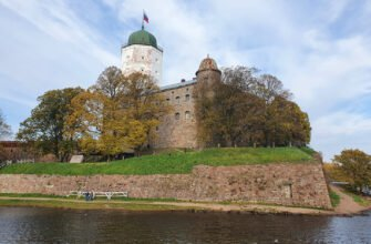 Выборгский замок вид на Райскую башню
